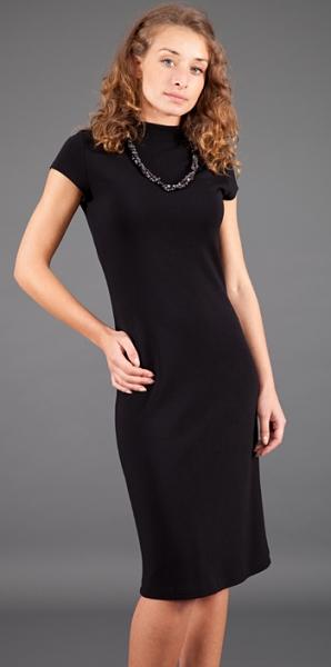 Актуальное маленькое черное платье